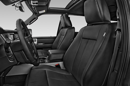 AUT 30 IZ3059 01 © Kimball Stock 2015 Ford Expedition XLT 5-Door SUV Interior Detail