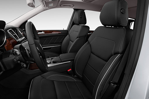 AUT 30 IZ3188 01 © Kimball Stock 2015 Mercedes Benz GL-Class GL450 5-Door SUV Interior Detail