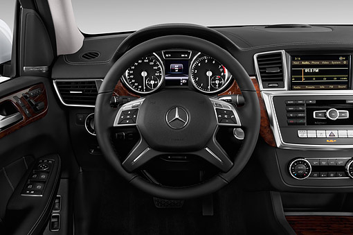 AUT 30 IZ3190 01 © Kimball Stock 2015 Mercedes Benz GL-Class GL450 5-Door SUV Interior Detail