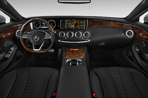 AUT 30 IZ3197 01 © Kimball Stock 2015 Mercedes Benz S-Class 2-Door Coupe Interior Detail