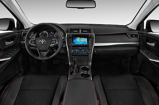 AUT 30 IZ3292 01 © Kimball Stock 2015 Toyota Camry 2.5 Auto SE 4-Door Sedan Interior Detail