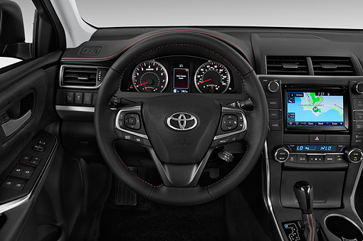 AUT 30 IZ3293 01 © Kimball Stock 2015 Toyota Camry 2.5 Auto SE 4-Door Sedan Interior Detail