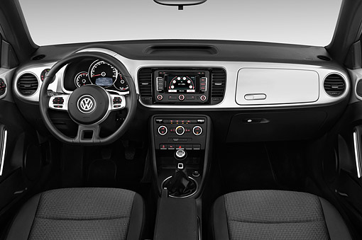 AUT 30 IZ3340 01 © Kimball Stock 2015 Volkswagen Beetle Convertible 2.0t 2-Door Low Interior Detail