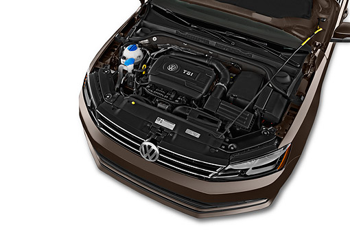AUT 30 IZ3354 01 © Kimball Stock 2015 Volkswagen Jetta 2.5l Sel Auto 4-Door Sedan Engine Detail