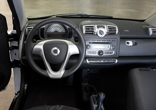 AUT 30 RK4757 01 © Kimball Stock 2009 Smart Fortwo Interior Detail Studio