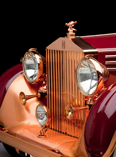 AUT 30 RK5790 01 © Kimball Stock 1937 Rolls-Royce Phantom III Freestone & Webb Sedanca Red And Copper Front Detail In Studio