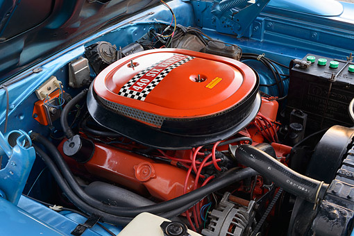 AUT 30 RK6378 01 © Kimball Stock 1970 Plymouth Superbird 400 Six Pac Blue Engine Detail