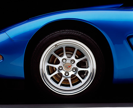 AUT 30 RK0234 02 © Kimball Stock 1998 Chevrolet Corvette Convertible Nassau Blue Detail Front Tire Studio