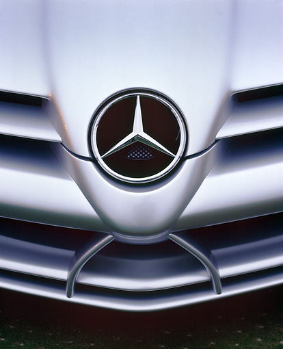 AUT 30 RK0361 03 © Kimball Stock Mercedes-Benz Vision SLR Silver Hood And Emblem Detail