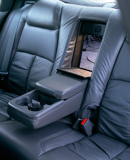 AUT 30 RK0444 03 © Kimball Stock 2001 Oldsmobile Aurora V8 Silver Detail Rear Leather Seats