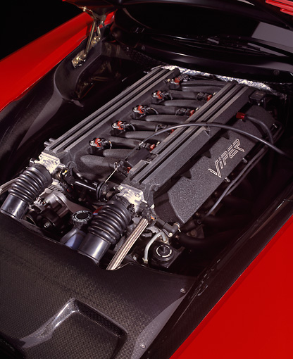 AUT 30 RK0518 05 © Kimball Stock Dodge Viper GTSR Concept Detail Engine Shot