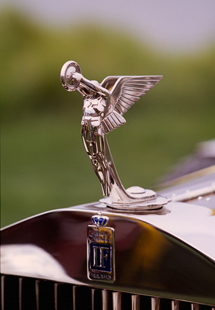 AUT 30 RK0594 02 © Kimball Stock 1930 Isotto-Fraschini Milano Man With Wings Radiator Cap