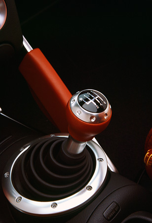 AUT 30 RK0666 03 © Kimball Stock 2001 Audi TT Roadster Turbo Detail Close Up Of Stick Shift