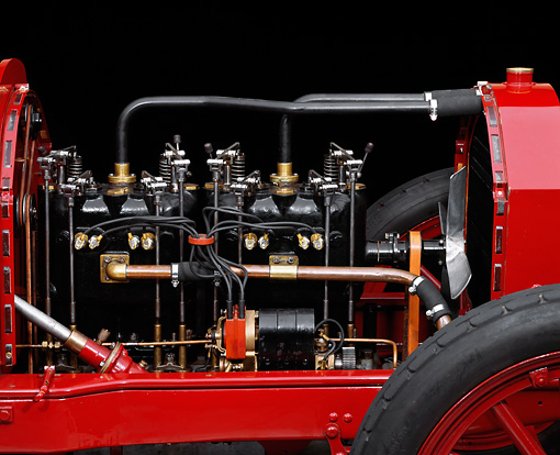 AUT 30 RK0739 07 © Kimball Stock 1907 Darracq Racer Red Detail