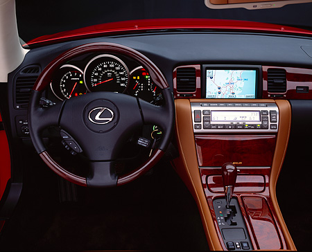 AUT 30 RK0801 05 © Kimball Stock 2002 Lexus SC430 Roadster Detail Interior Monitor And Front Dash