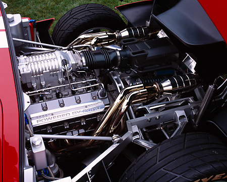 AUT 30 RK1774 02 © Kimball Stock 2004 Ford GT Prototype Concept Car Detail Engine