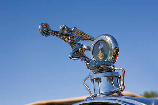 AUT 30 RK3372 01 © Kimball Stock Packard Hood Ornament