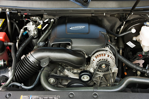 AUT 30 RK4369 01 © Kimball Stock 2007 Cadillac Escalade Engine Detail