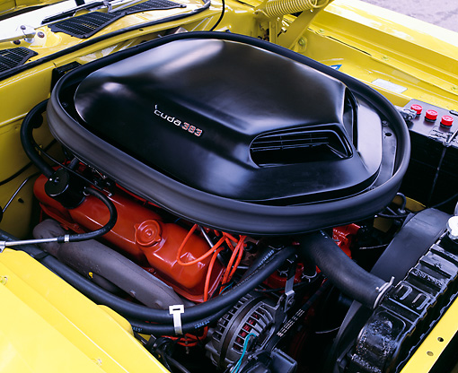 AUT 30 RK4424 01 © Kimball Stock 1971 Plymouth 'Cuda 383 Engine Yellow Detail