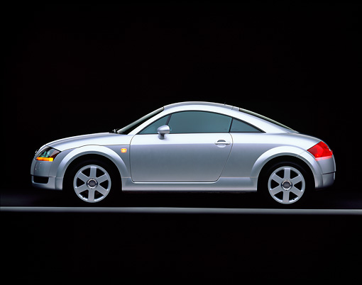 AUT 33 RK0070 02 © Kimball Stock 2000 Audi Quattro TT Coupe Silver Profile View On Gray Line Studio