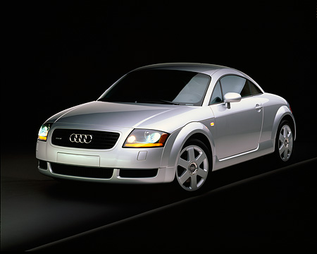 AUT 33 RK0073 02 © Kimball Stock 2000 Audi Quattro TT Coupe Silver 3/4 Front View On Gray Line Studio