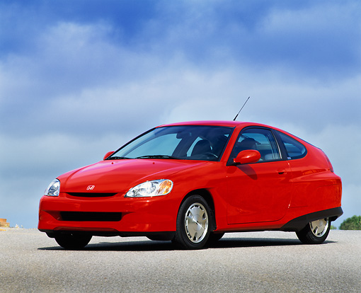 AUT 33 RK0166 02 © Kimball Stock 2000 Honda Insight Hybrid Red 3/4 Side View On Pavement