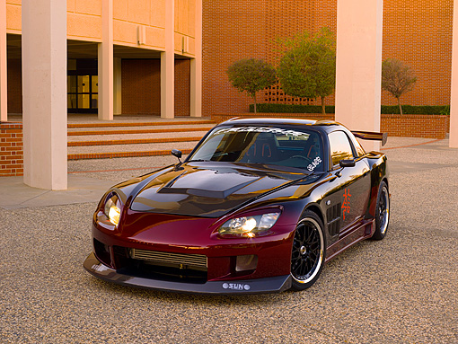 AUT 33 RK0354 01 © Kimball Stock 2000 Honda S2000 Raspberry And Black 3/4 Front View On Pavement
