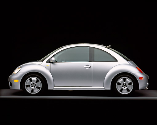 AUT 35 RK0163 09 © Kimball Stock 2002 Volkswagen New Beetle Turbo S Silver Profile View On Gray Line Studio