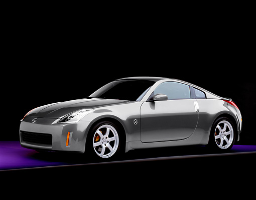 AUT 38 RK1896 01 © Kimball Stock 2003 Nissan 350Z Gray 3/4 Front View Studio