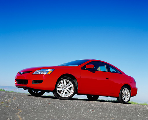 AUT 39 RK0149 03 © Kimball Stock 2004 Honda Accord EX Red Low 3/4 Side View On Pavement Blue Sky
