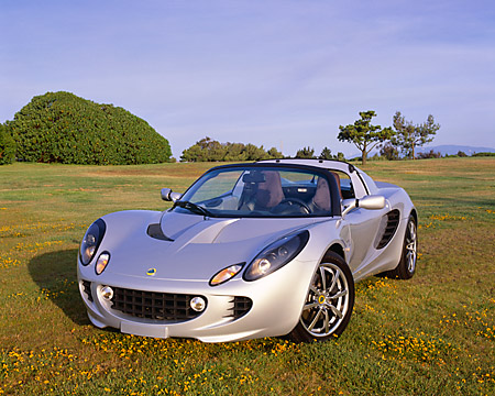 AUT 39 RK0020 09 © Kimball Stock 2004 Lotus Elise Silver
