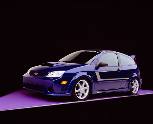 AUT 39 RK0331 06 © Kimball Stock 2004 Ford Saleen N20 Focus Blue 3/4 Front View On Purple Floor Gray Line And Lighting Studio