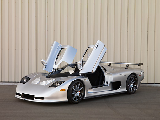 AUT 39 RK0400 01 © Kimball Stock 2004 Mosler MT900S Silver Doors Open 3/4 Front View On Pavement