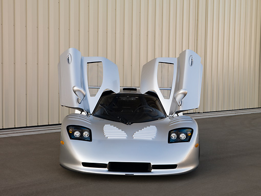 AUT 39 RK0402 01 © Kimball Stock 2004 Mosler MT900S Silver Doors Open Front View On Pavement