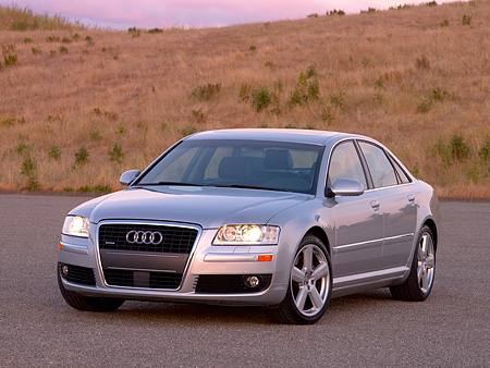 AUT 41 RK0370 01 © Kimball Stock 2006 Audi A8 Quattro AT6 Silver 3/4 Front View On Pavement