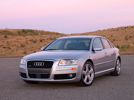 AUT 41 RK0372 01 © Kimball Stock 2006 Audi A8 Quattro AT6 Silver 3/4 Front View On Pavement