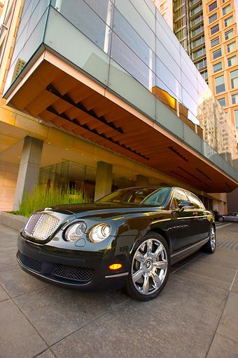 AUT 41 RK0488 01 © Kimball Stock 2006 Bentley Continental Flying Spur Black 3/4 Front View By Building