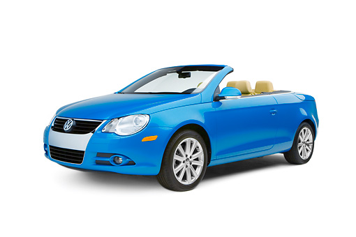 AUT 42 RK0122 01 © Kimball Stock 2007 Volkswagen Eos 2.0T Convertible Blue 3/4 Side View Studio