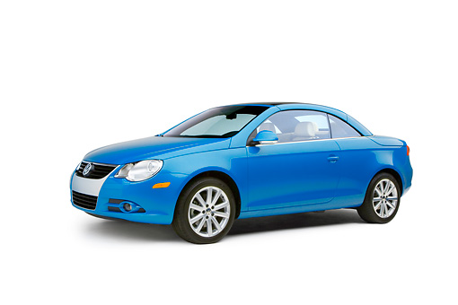 AUT 42 RK0126 01 © Kimball Stock 2007 Volkswagen Eos 2.0T Convertible Blue Low 3/4 Side View Studio