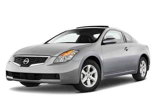 AUT 43 IZ0119 01 © Kimball Stock 2009 Nissan Altima Coupe Silver 3/4 Front View Studio