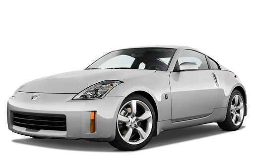 AUT 43 IZ0127 01 © Kimball Stock 2009 Nissan 350Z Silver 3/4 Front View Studio