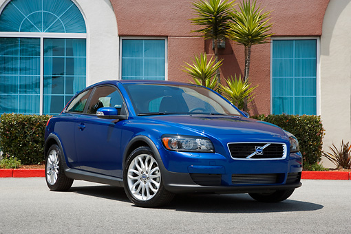 AUT 43 RK0025 01 © Kimball Stock 2008 Volvo C30 Blue Low 3/4 Front View On Pavement