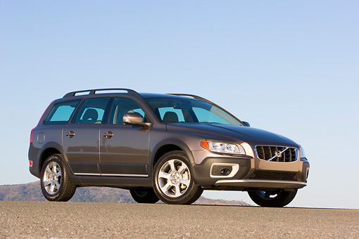AUT 43 RK0172 01 © Kimball Stock 2008 Volvo XC70 AWD Gray 3/4 Front View On Pavement Blue Sky
