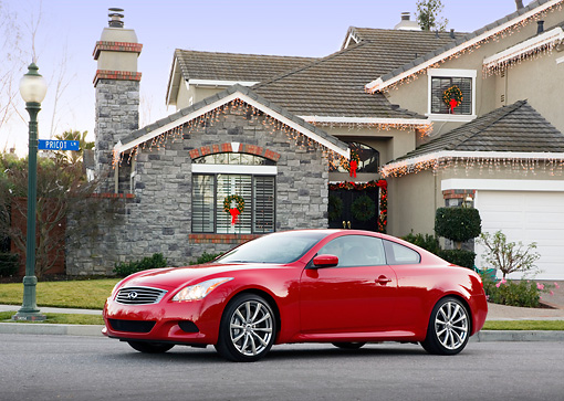 AUT 43 RK0219 02 © Kimball Stock 2008 Infiniti G37 Sport 6MT Red 3/4 Front View By House