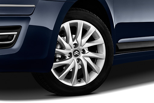 AUT 44 RK0125 01 © Kimball Stock 2010 Citroen C4 Executive 5-Door Hatchback Blue Front Wheel Detail Studio