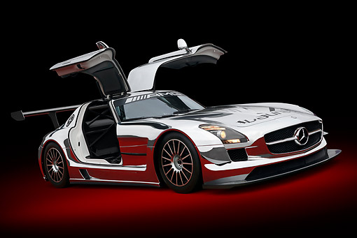 AUT 46 RK0141 01 © Kimball Stock 2011 Mercedes-Benz SLS AMG GT3 Chrome 3/4 Front View On Grass