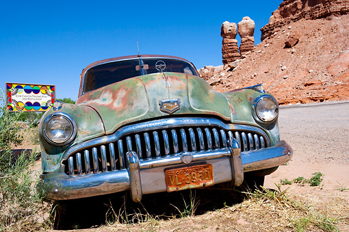 AUT 47 KH0001 01 © Kimball Stock Old Buick Near