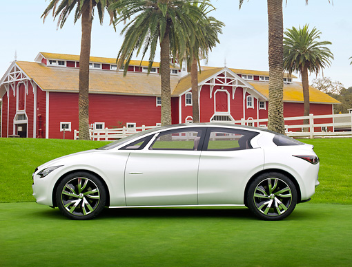 AUT 49 RK0001 01 © Kimball Stock 2013 Infiniti Etherea White Profile View On Grass By Barn And Palm Trees