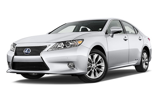 AUT 50 IZ0700 01 © Kimball Stock 2015 Lexus ES 300h 4-Door Sedan 3/4 Front View In Studio