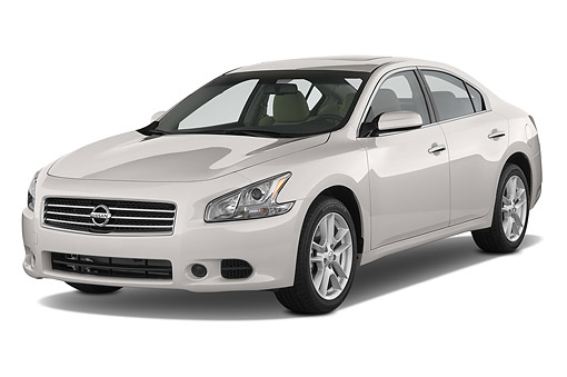 AUT 50 IZ0939 01 © Kimball Stock 2014 Nissan Maxima 3.5s 4-Door Sedan 3/4 Front View In Studio